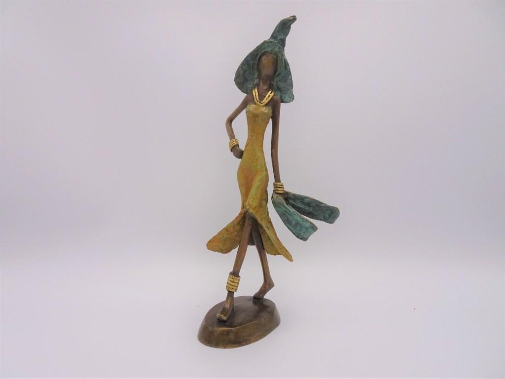 Fairtrade Cadeau Winkel beeldje brons dame