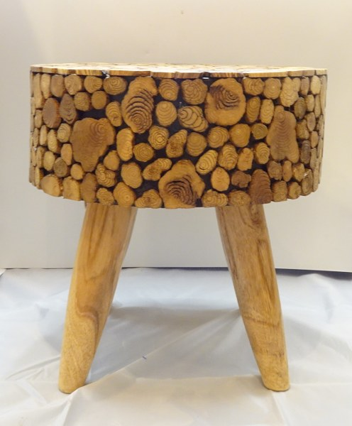Eerlijk & Werelds houten krukje