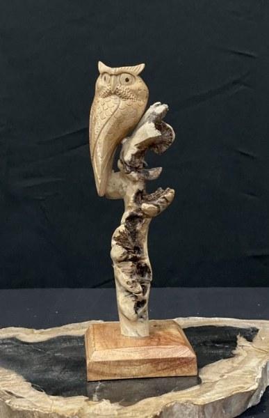 Eerlijk & Werelds houten uil in boom